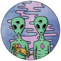 15_aliencouple.jpg